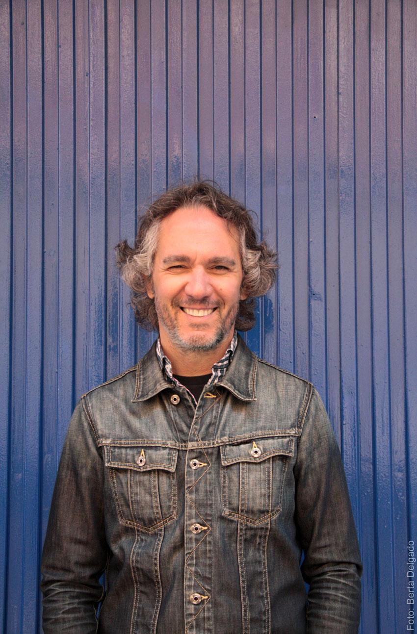 Jose-Antonio-Arias-Customixed-Diseñador-Web-Ux-Arquitectura-Packaying-Diseño-gráfico-creativo-director-de-arte-Yanmag