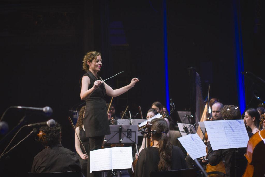 """Lara Diloy, directora de orquesta: """"Que director y agrupación se encuentren en sintonía es clave"""""""