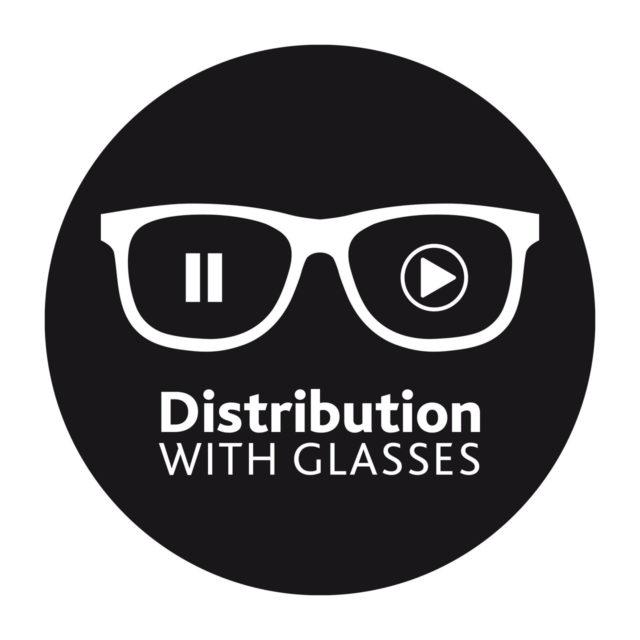 Distribution with glasses. Marta Salvador Tato
