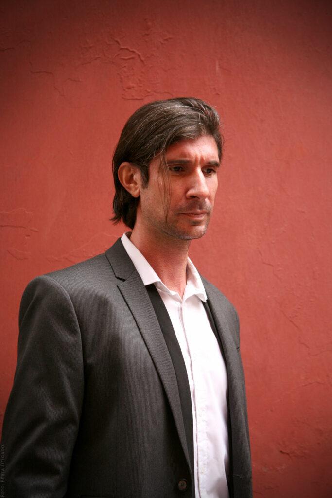 Carlos-Javier-Gonzalez-Serrano-Director-editorial-filosofo-profesor-asesor-de-comunicacion-YANMAG