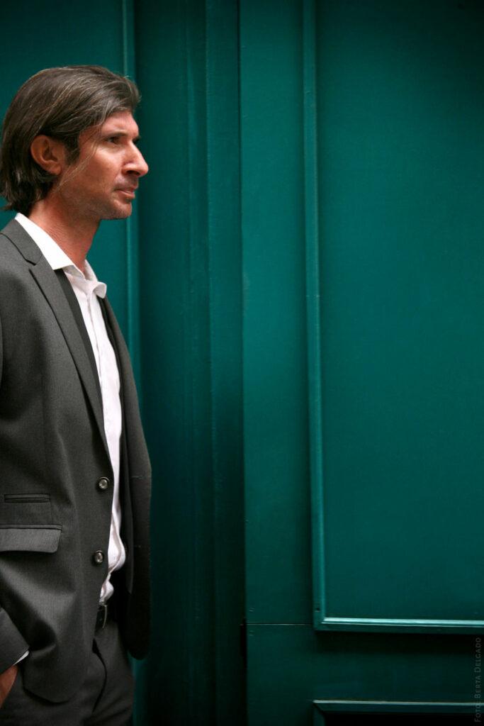 Carlos-Javier-Gonzalez-Serrano-Director-editorial-filosofo-profesor-asesor-de-comunicacion-divulgador-cultural-YANMAG