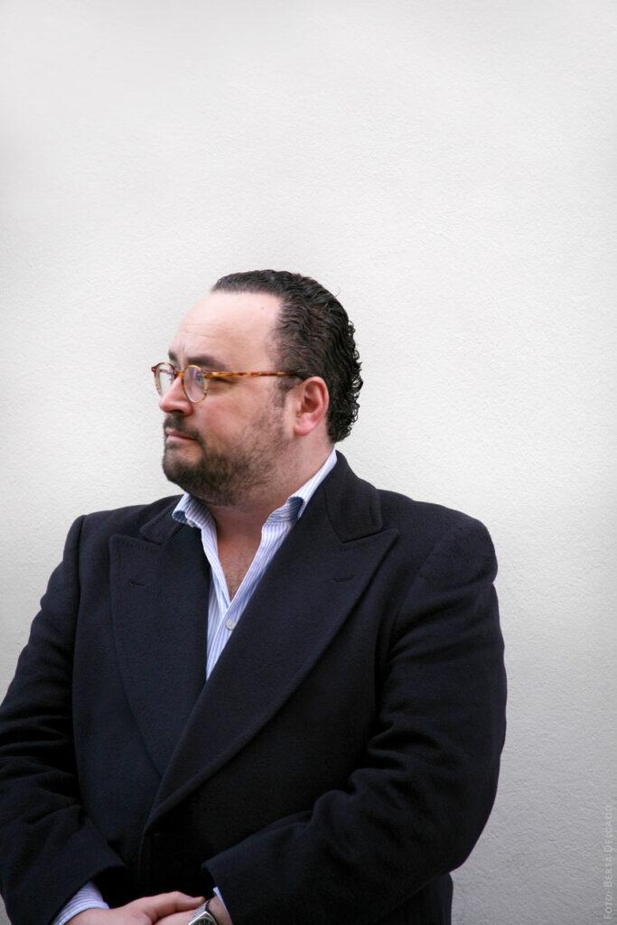 Ignacio-Peyro-Director-Instituto-Cervantes-de-Londres-escritor-periodista-gestion-cultural-YANMAG