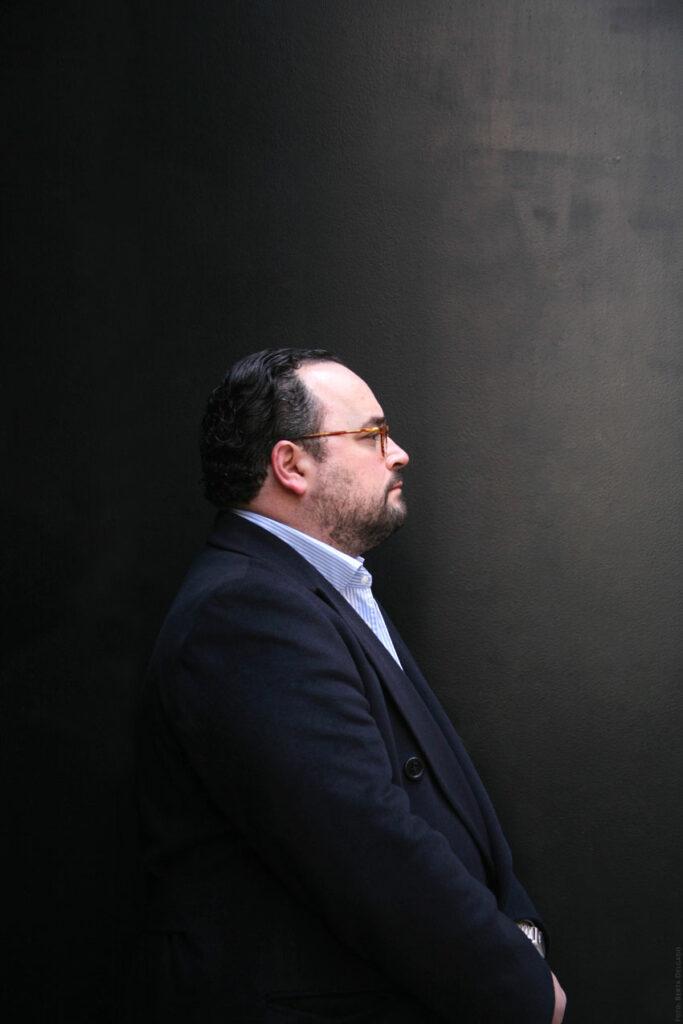 Ignacio-Peyro-Director-Instituto-Cervantes-de-Londres-escritor-periodista-literatura-YANMAG