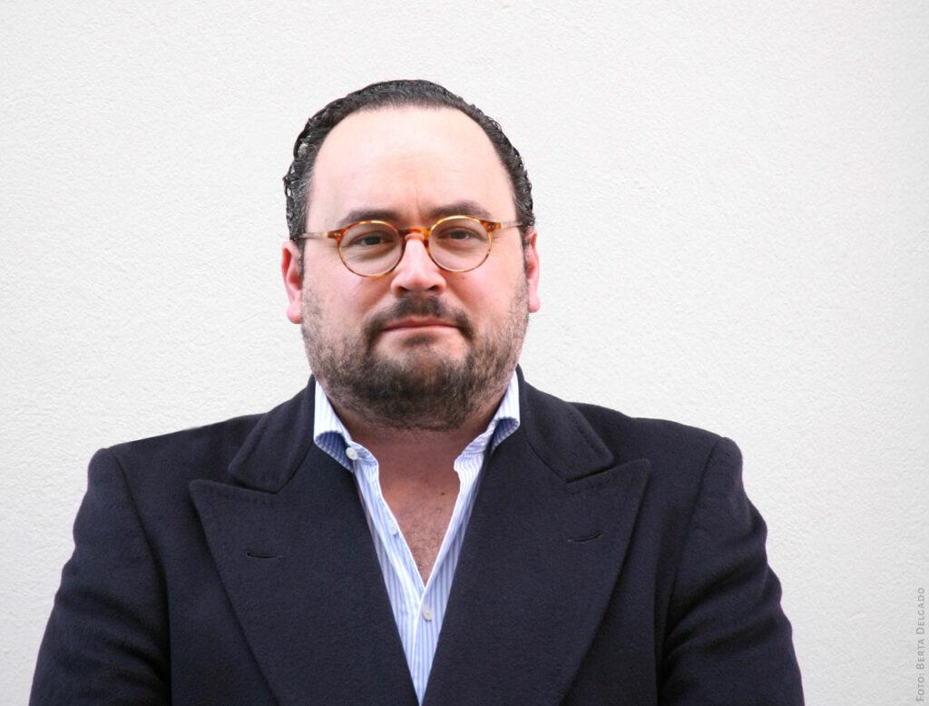 Ignacio-Peyro-Director-Instituto-Cervantes-en-Londres-escritor-periodista-medios-de-comunicacion-YANMAG