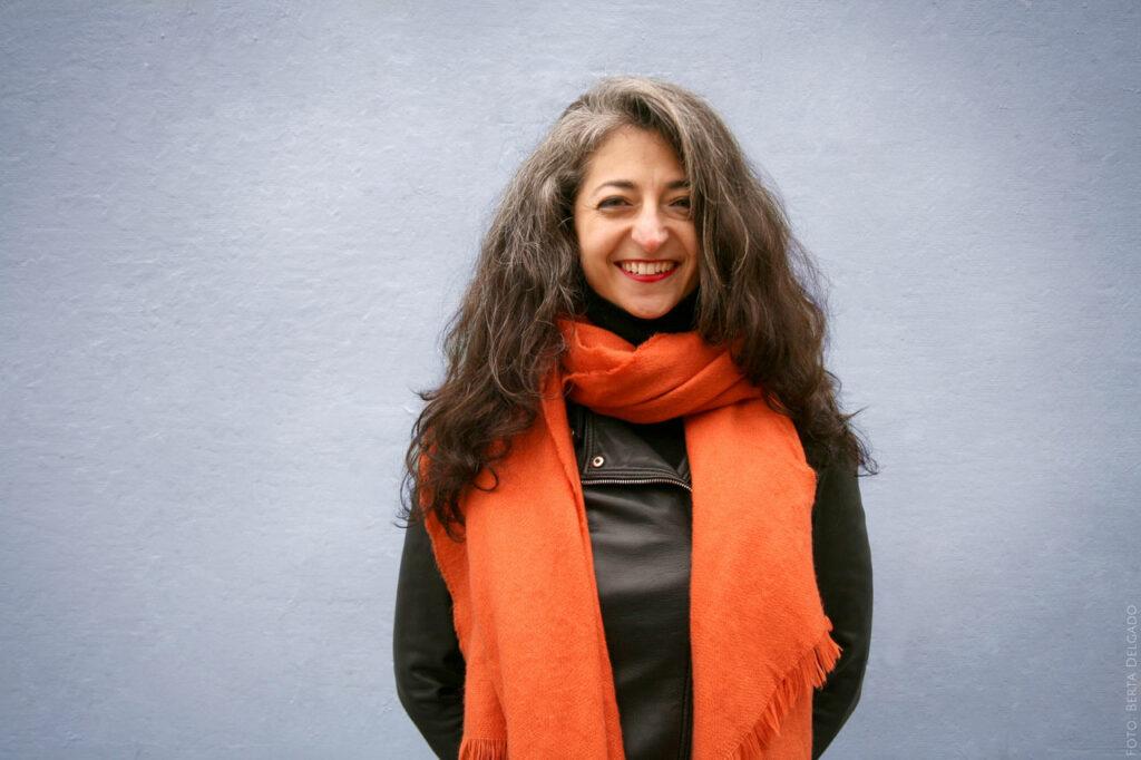 Shiva-Roofeh-facilitadora-internacional-oradora-diseñadora-de-programas-educadora-yanmag